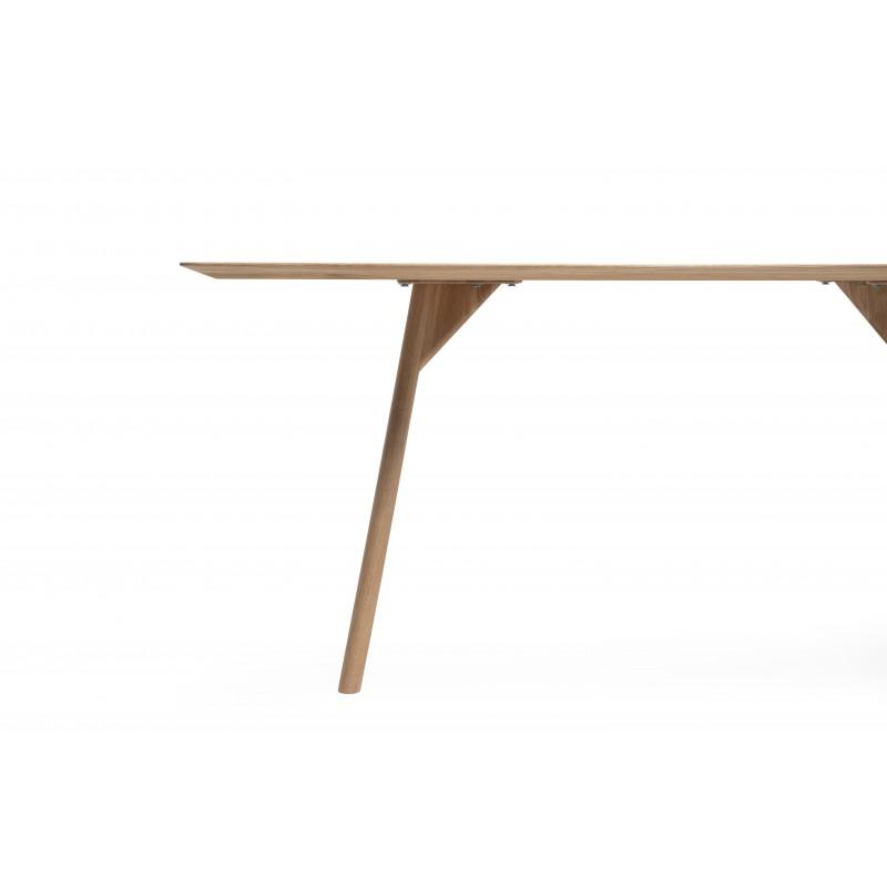 Malin Mai Tisch tpls 004