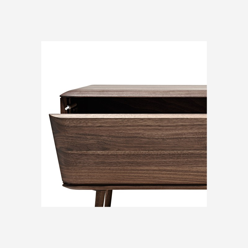 Malin TV Board mit Holzfüssen tpls 002