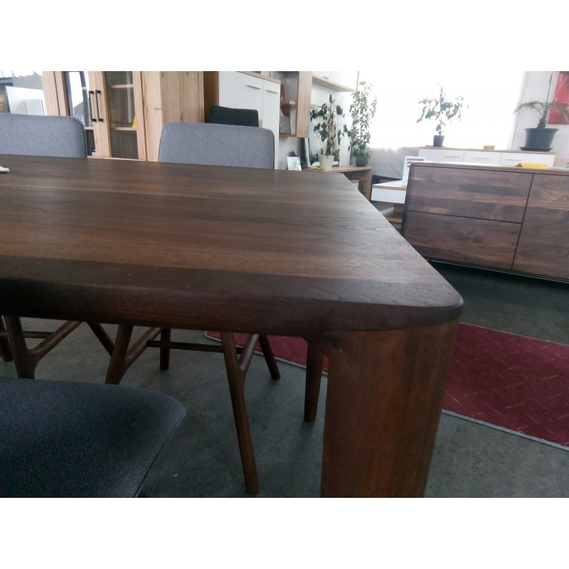 Whiteoak Ninas dinning table walnut 003