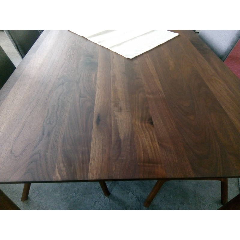 Whiteoak Ninas dinning table walnut 004
