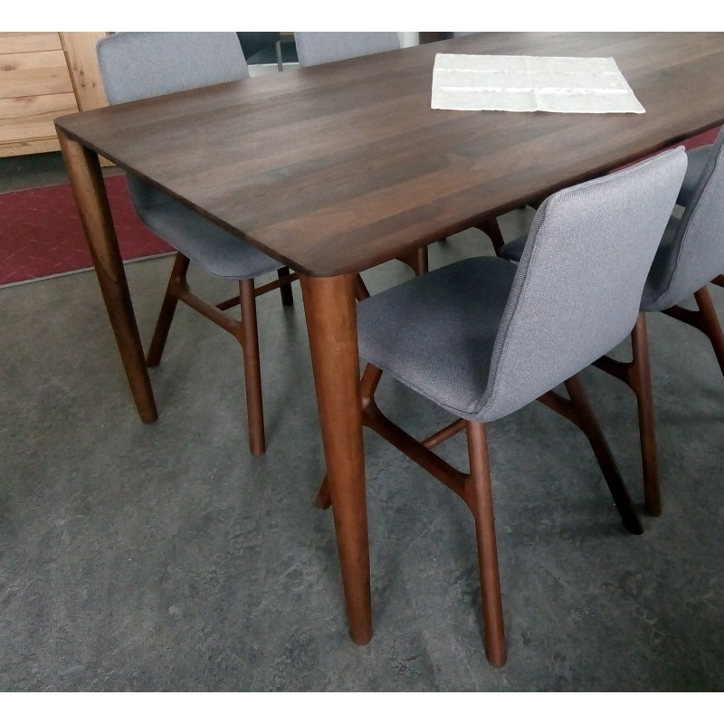 Whiteoak Ninas dinning table walnut 002
